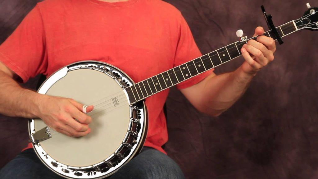 Seperti Alat Musik Klasik Banjo, Bermain Judi Online Masih Terus Menerus Dimainkan
